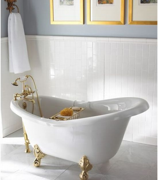 Bathtubs for a small space design ideas for your bathroom for Bathtub in bathroom